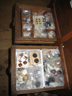 biutton drawer