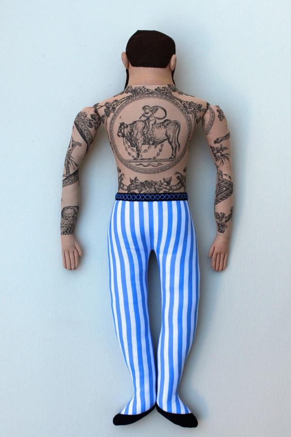 11:19:tattoo man 1c