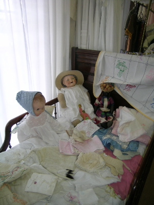 shop dolls
