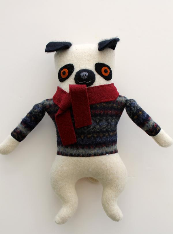 1:20:sweater pug 1a