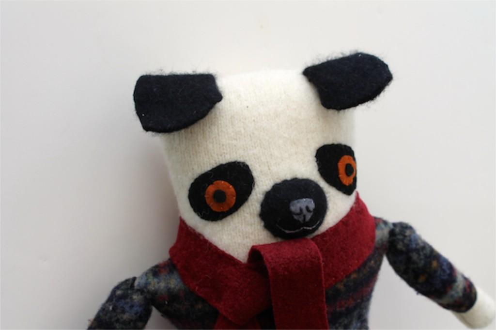 1:20:sweater pug 1b
