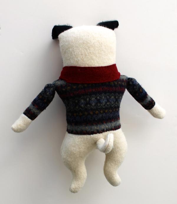 1:20:sweater pug 1c