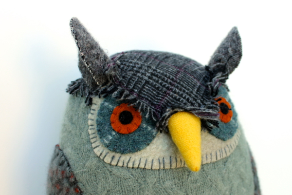 6:19:grey owl 2b