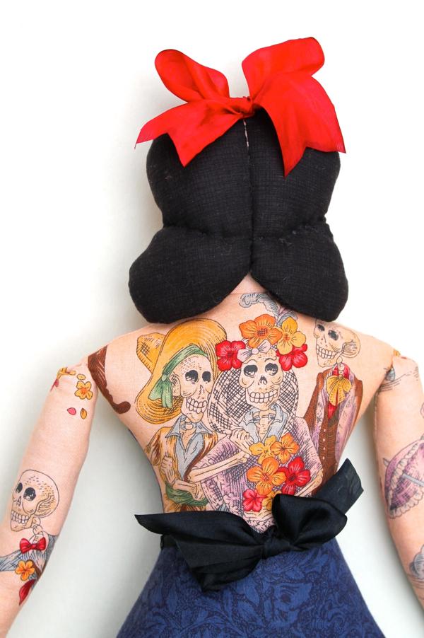 10:24:tattoo lady 2d