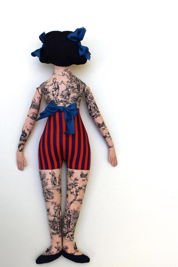10:28:tattoo lady 6c