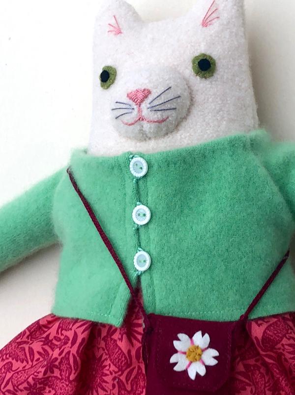 12-11-kitty girl white - 2