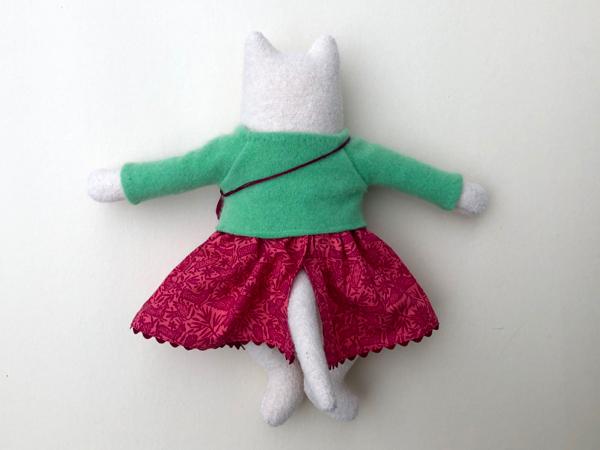 12-11-kitty girl white - 4