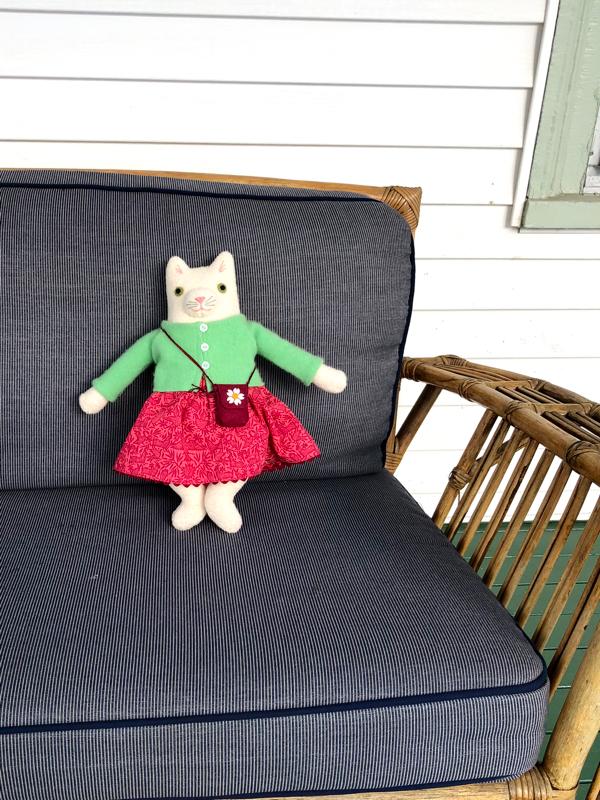 12-11-kitty girl white - 5