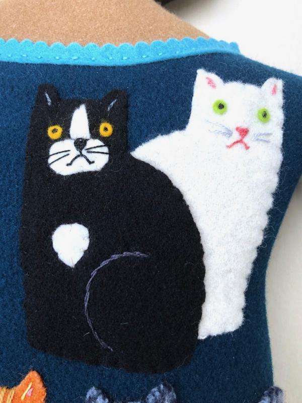 7-22-cat lady 2 - 5